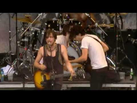 Dirty Pretty Things - Bang Bang You're Dead (Glastonbury 07)