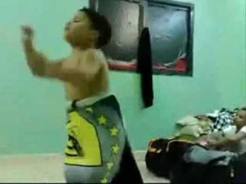 cha3bi chaabi nachat nayda rakza 7ay7a  2014   أخطر طفل يرقص على ٱلشعبي thumbnail