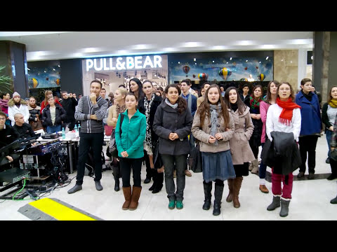 Flash Mob Palas Mall Iasi, Romania, Decembrie 2012
