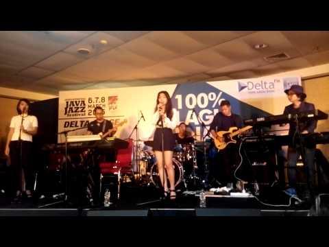 Isyana Sarasvati - Keep Being You (Live at Java Jazz Festival 2015)