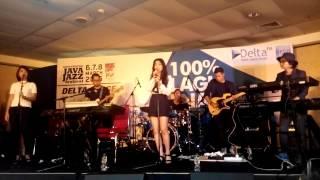 Isyana Sarasvati Keep Being You Live At Java Jazz Festival 2015