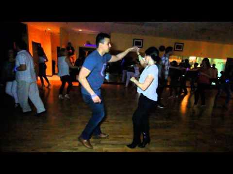 Jessica y Abraham - Salsa Social @ Salrica