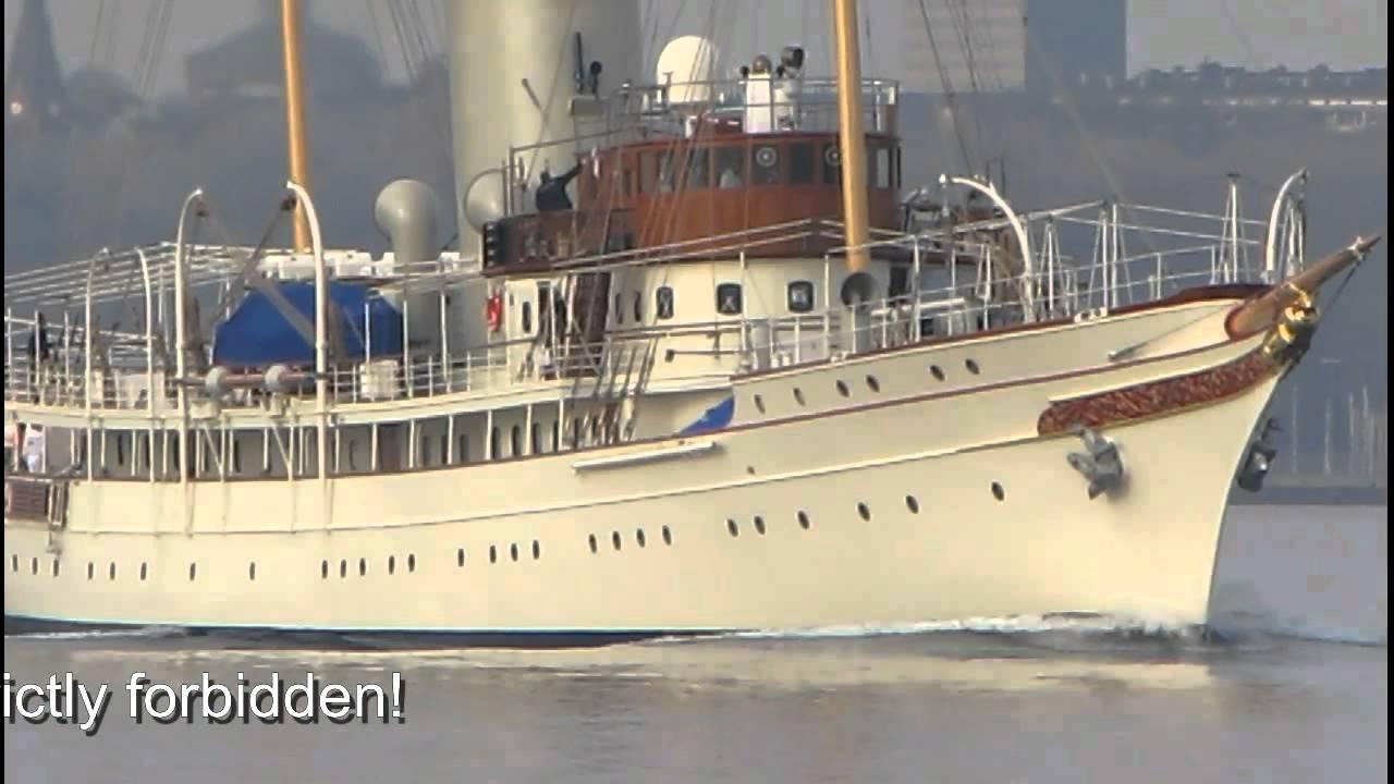 motor yacht nahlin - carl groll - theyachtphoto com
