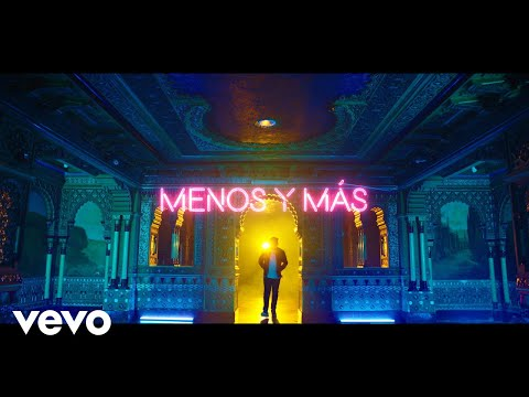 FMK, Naiky Unic - Menos y Más (Official Video)