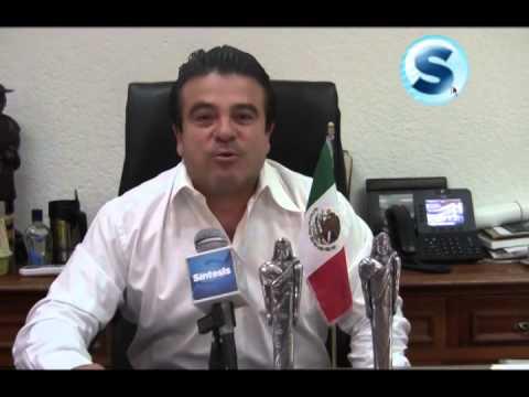 Eduardo Suárez García, síndico de Tuxtla Gutiérrez recibió el galardón Tlatoani 2014