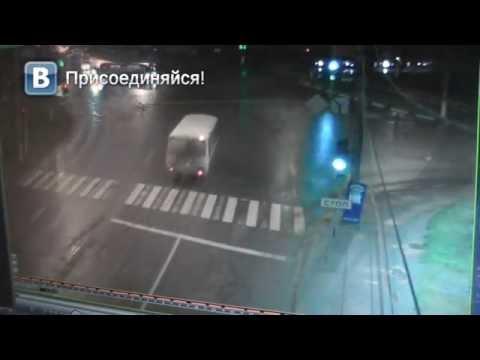 ДТП пьяный водитель автобуса ул Воровского. Место происшествия 13.10.2014