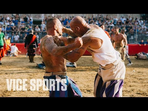 RIVALS Bareknuckle Boxing Meets MMA in Calcio Storico - VICE World of Sports
