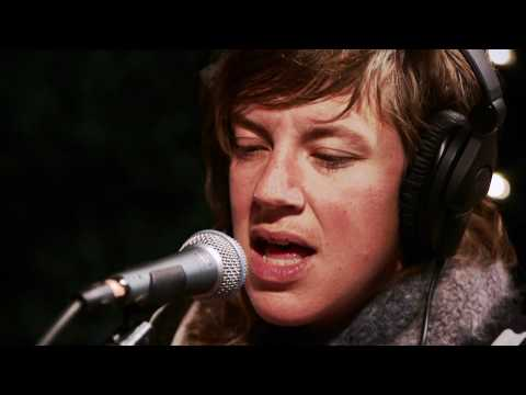 tUnE-yArDs - Bizness (Live on KEXP)