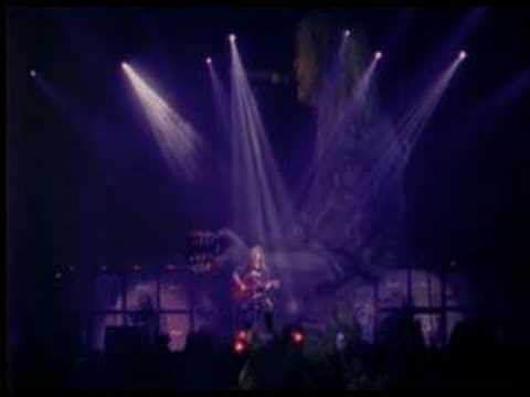 Helloween - In The Middle Of A Heartbeat Live
