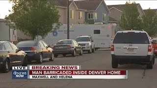 Denver & Aurora Police in standoff with shooting suspect