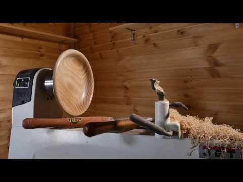 Александр Брюкнер точит тарелку (несколько хитростей в видео)