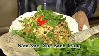 Nam Xao Xuc Banh Trang - Xuan Hong
