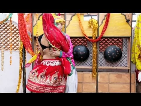 Holi Khele Bhojaee | Latest Rajasthani Holi Video Song 2013 - Pata Le Saiyan Rang Daal Ke video