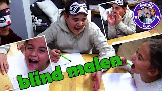BLIND FOLDED DRAWING CHALLENGE | Mega Lachflash!! | FAMILY FUN