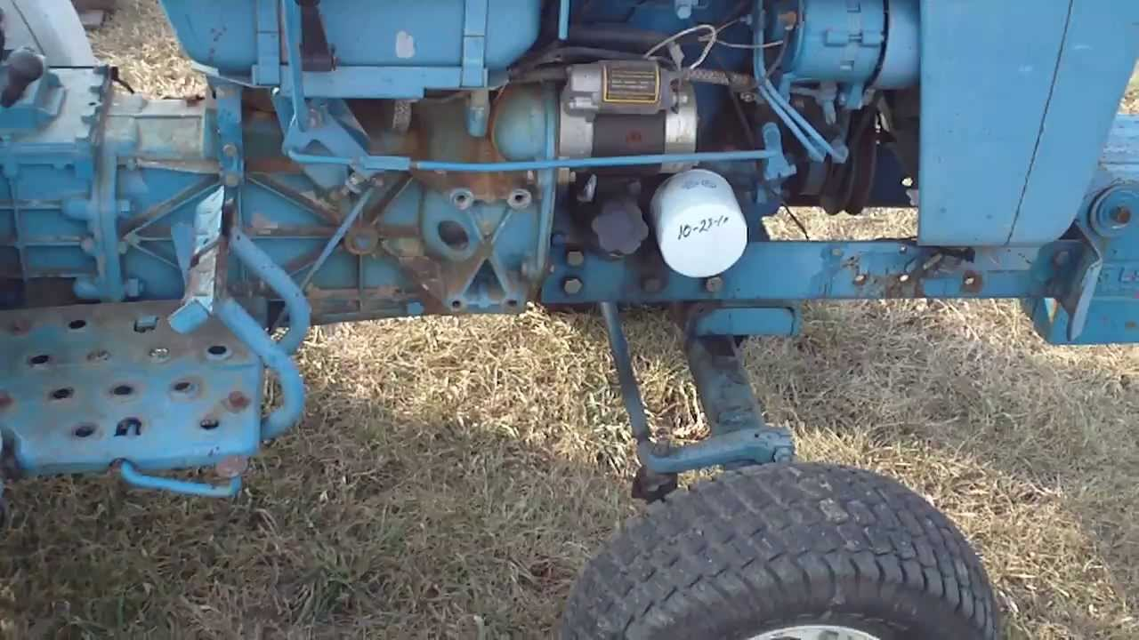 Ford 1100 Utility Tractor