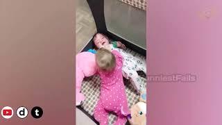 Funny baby twins videos   juokinga-legrační-смішно-gracioso-amuzant