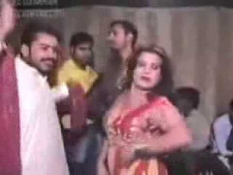 Hot & Sexy. Pakistani Private Mujra On Shaadi In Lahore. video