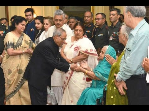 SlideShowHon'bleRastrapathyJi Paying floral tributes-Hon'blePM-BangladeshAttended......