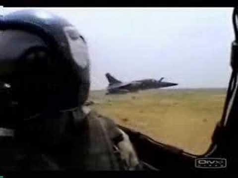 פעלולי אוויר מדהימים של טייסי קרב צרפתיים