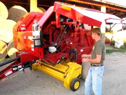 New Holland BR7000 Series Round Baler Overview