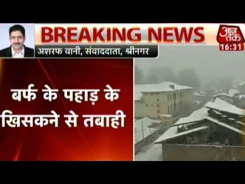 Heavy Snowfall, Landslides Block Jammu-Srinagar Highway