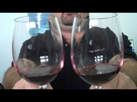 Robert Compares Penfolds Koonunga Hill with It`s Big Brother The Koonunga