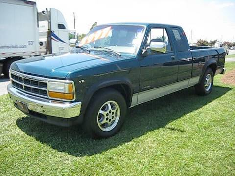 1996 Dodge Dakota V8 Start Up. Engine. and In Depth Tour