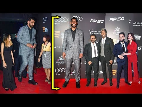 Bollywood Celebs Look So Small In Front of 7.2 Ft Satnam Singh - India