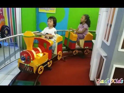 Lagu Anak Anak Naik Kereta Api Tut Tut Tut - Zada Naik Kereta Odong Odong