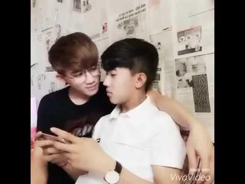 [Couple Gay Viet nam] Cặp Đôi Đồng Tính Hà Kỳ Nam Huỳnh Thanh Liêm Hôn Nhau thumbnail