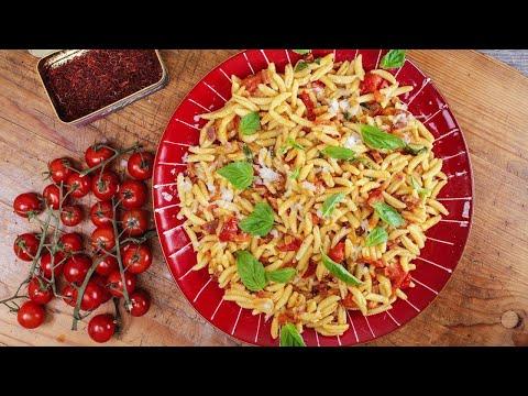 Rachael's Pasta with Smoked Ham, Saffron and Cherry Tomato Sauce