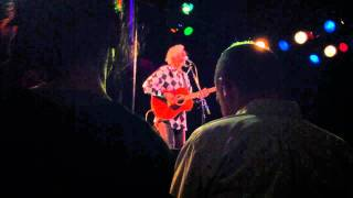 Watch Robyn Hitchcock Clean Steve video