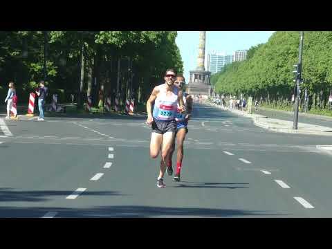 Jonas Koller gewinnt S25 Berlin und läuft 1:06:35 im Halbmarathon