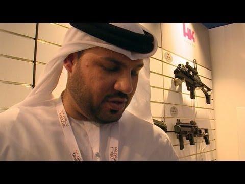 Shoppen für den Krieg der Zukunft: Die Waffenmesse von Abu Dhabi