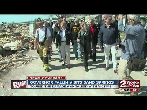 Gov. Mary Fallin tours wreckage in Sand Springs
