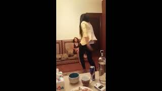 Arabic girl leak sexy home dance video.