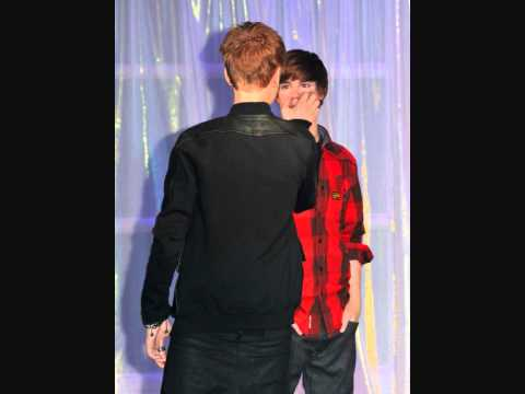 Justin Bieber and his wax figure