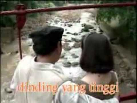 Hatiku Hatimu--titiek Sandhora-mukhsin video
