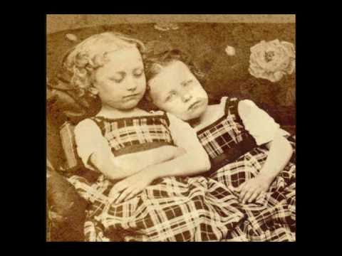 Victorian Post Mortem Photo's: Memento Mori video