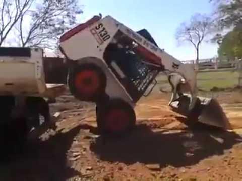 トラックに重機を載せる運転手の神技テクニック