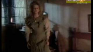 Клип Bonnie Tyler - Holding Out For A Hero