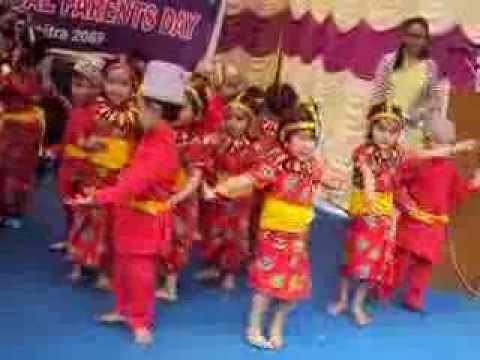 Small Nursery Class Children' Dance video