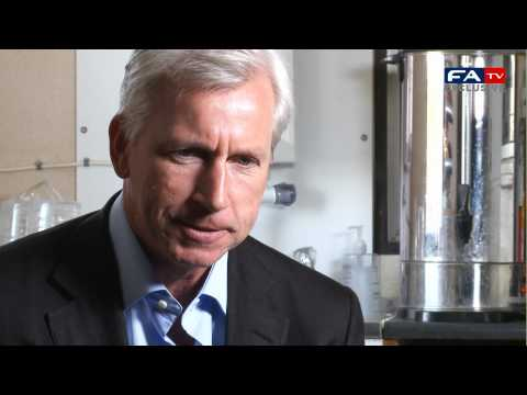 Alan Pardew - Five a Side | FATV