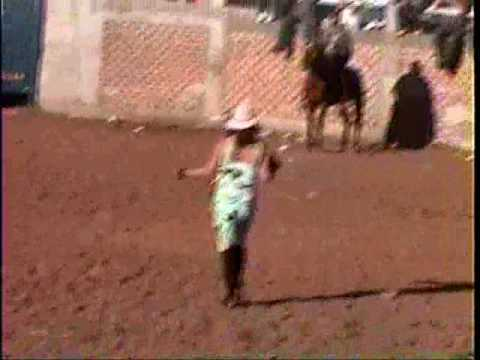 Ojo de agua 2004 - Un hombre raro en el jaripeo- Zamora Michoacan Mexico Video