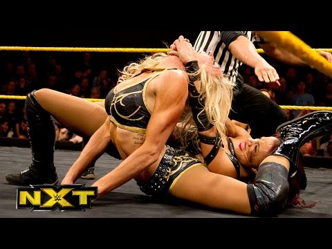 Charlotte vs. Sasha Banks – NXT Women's Championship Match: WWE NXT, Dec. 25, 2014