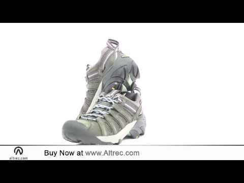 Video: Women's Voyageur Hiking Shoe