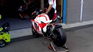 TT Assen 2009 - Tuning a Pramac Ducati MotoGP Bike in the Pitlane