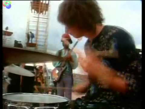 Soul Sacrifice - Santana - Woodstock 1969.wmv