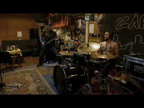 Záróra - Csak várj! (hivatalos videoklip / official music video) GoPro7!