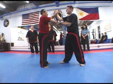 Doce Pares Eskrima: Training